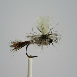 Hares Ear Parachute Barbless Dry Fly